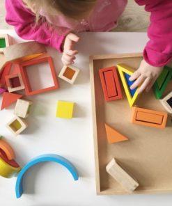 regenboog bouwblokken houten speelgoed Goki -wonderzolder.nl
