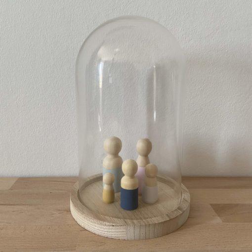 Medium stolp, medium size stolp, glazen stolp, glazen stolp met houten poppetjes, wonderzolder.nl